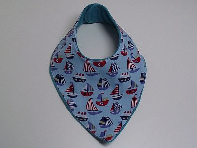 handmade-by-grannie-little-dribbler-bib